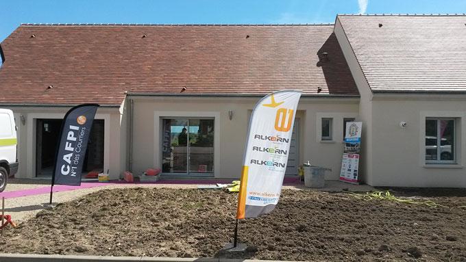 Le constructeur les maisons de loire inaugure la for Constructeur maison positive